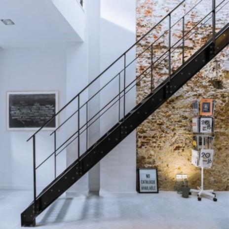Металните стълби с дизайн