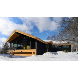 Стъклената триъгълна къща от Вермонт