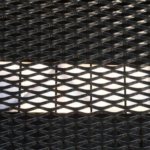 Алуминиева архитектурна мрежа с отвор 76х35 мм от Metalen.bg