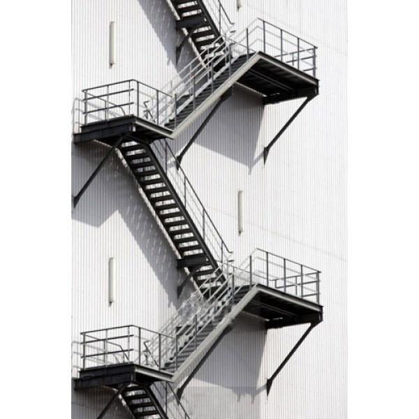 Прави метални стълби